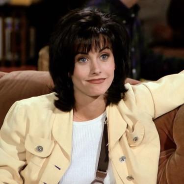 Los 17 looks de Monica Geller que vimos en 'Friends' y que nos pondríamos hoy mismo
