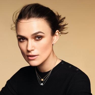 Las piezas de joyería de Coco Crush de Chanel se modernizan de la mano de Keira Knightley