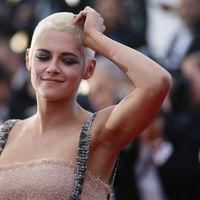 Kristen Stewart y su peto hacen sombra a Sara Sampaio y Lottie Moss en el Festival de cine de Cannes 2017