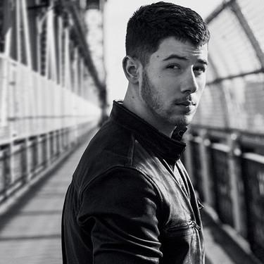 Nick Jonas se estrena como diseñador con una colección cápsula inspirada en el rock para John Varvatos