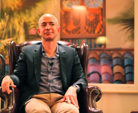 Bezos logra un voto de confianza de los inversores de Amazon