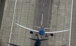 Este Boeing 787 despega casi en vertical y es realmente alucinante verlo