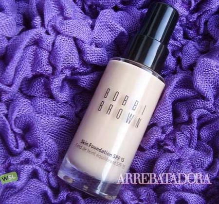 Skin Foundation de Bobbi Brown, una base de maquillaje muy ligera