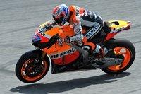 MotoGP 2011 en Sepang: Honda sigue dominando mientras que Valentino Rossi no pisa la pista