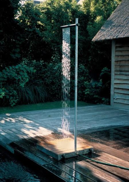 Cascade, una minimalista ducha de exteriores