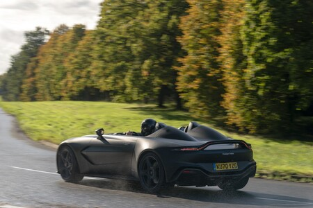 Aston Martin V12 Speedster 2021 004