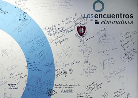 El Mundo subasta un panel firmado por famosos solidario con Haití