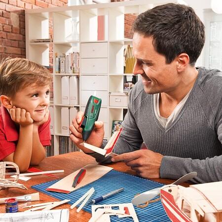 Precio mínimo histórico para este lápiz de pegamento termofundible Bosch DIY GluePen: cuesta 17,90 euros en Amazon