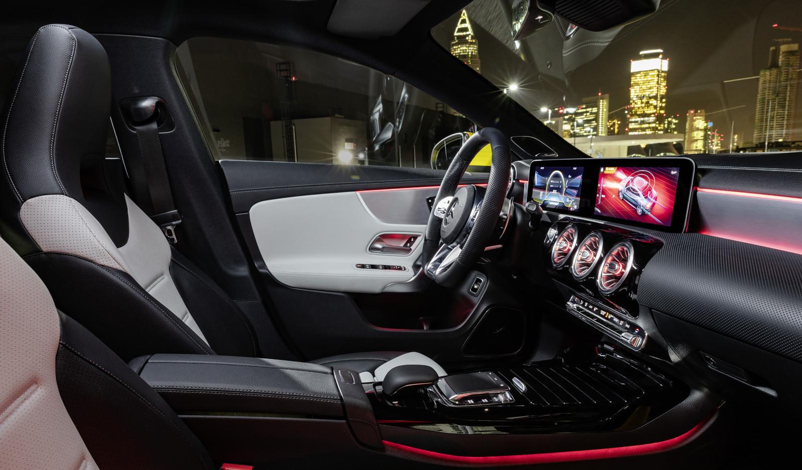 Mercedes-Benz CLA II (2019) 24