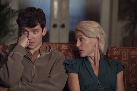 Tráiler de 'Sex Education': la nueva serie de Netflix con Gillian Anderson va de terapia sexual en el instituto