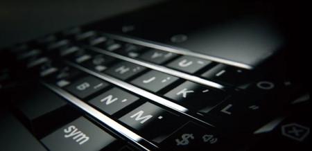 BlackBerry nos enseña que su nuevo teléfono tiene teclado físico, sigue viva en manos de TCL