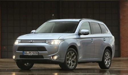 Mitsubishi Outlander PHEV, especificaciones, versiones y precios en España