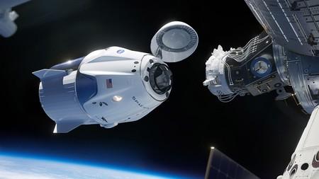 Ahora podemos subirnos a la Crew Dragon de SpaceX para intentar acoplarla a la ISS en este increíble simulador oficial y gratuito