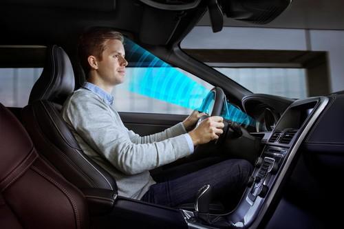 La carrera tecnológica de dentro del coche para mantener al conductor despierto y concentrado