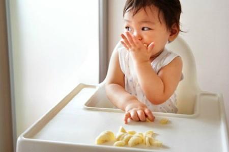 """""""La alimentación complementaria autorregulada también beneficia a los padres"""". Entrevista a la psicóloga Mónica Serrano"""