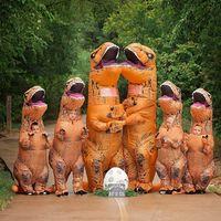 La familia T-Rex y el anuncio de embarazo más divertido que has visto