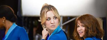 'The Flight Attendant': la nueva serie de Kaley Cuoco en HBO es un desmelenado relato de suspense al que le cuesta coger altura