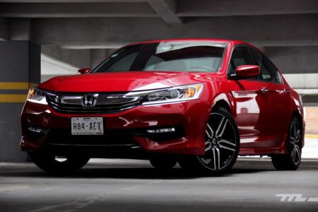 Probamos el Honda Accord Sport: Prueba de que lo sobrio siempre tiene un lado picante