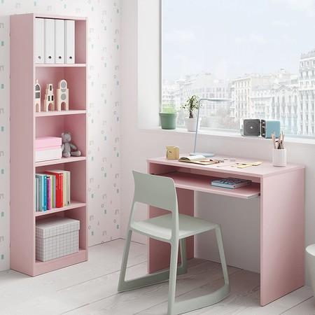 Mesa de ordenador en rosa