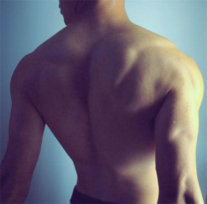 Tabla de entrenamiento para ganar músculo: ejercicios para los lunes, pectoral y tríceps