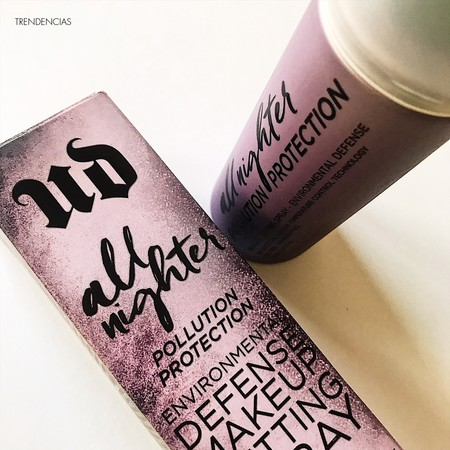 Probamos All Nighter Pollution Protection de Urban Decay, el spray fijador de maquillaje que lo aguanta todo