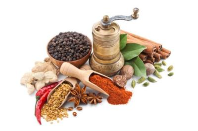 Suma potasio a tu dieta usando hierbas, especias y condimentos