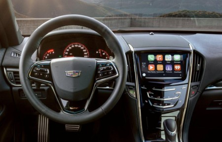 Cadillac da la bienvenida a Apple CarPlay y Android Auto