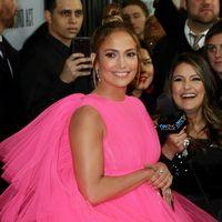 Duelo de vestidos con volumen: Jennifer López contra Vanessa Hudgens