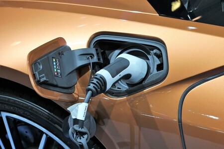 Conseguir más vida útil en los coches eléctricos es el reto de las nuevas baterías de metal de litio