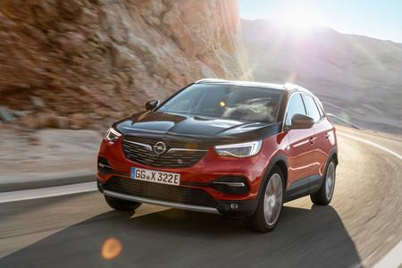 Nuevo Opel Grandland X Hybrid4: 300 CV de SUV híbrido enchufable 4x4 con 50 km de autonomía eléctrica recargable en dos horas