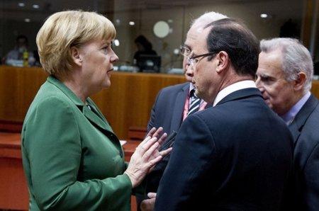 Hollande más cerca de Merkel y su Lex Google