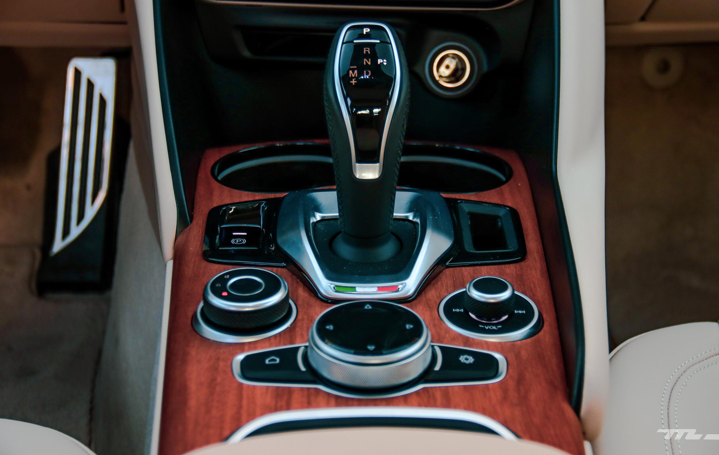 Foto de Alfa Romeo Giulia Lusso 2021 (42/83)
