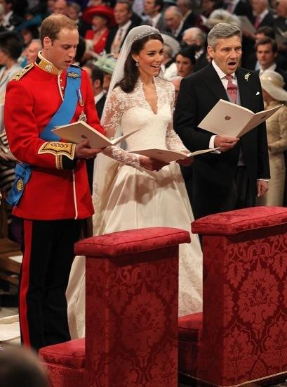 Foto de Todas las imágenes del príncipe Guillermo y Kate Middleton en el altar (7/12)