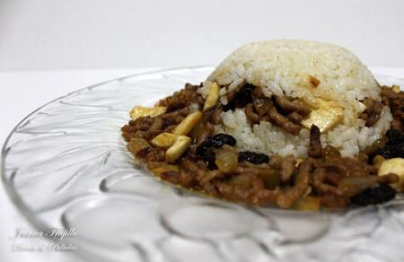 Molde de arroz con picadillo de carne