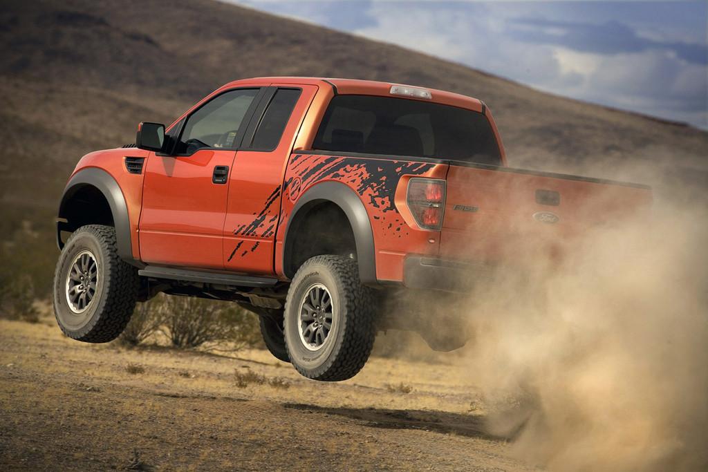 Foto de Ford F-150 SVT Raptor (33/37)
