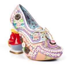Foto 50 de 88 de la galería zapatos-alicia-en-el-pais-de-las-maravillas en Trendencias