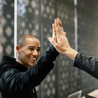 Ambiente laboral en la empresa, lograr que los compañeros se conviertan en amigos