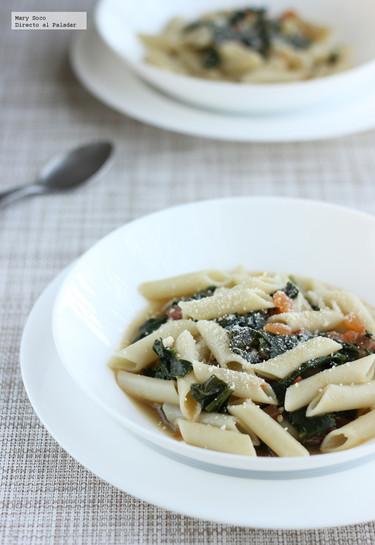 Sopa de pasta con espinacas y jitomate. Receta
