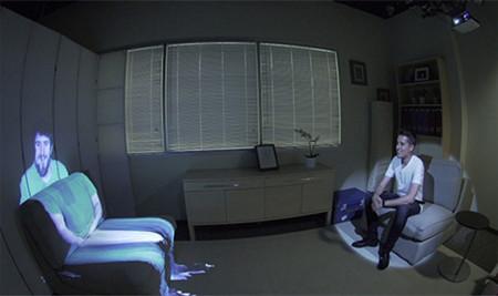 ¿Mejor que Skype? Microsoft quiere proyectar una persona a tamaño natural en tu sofá