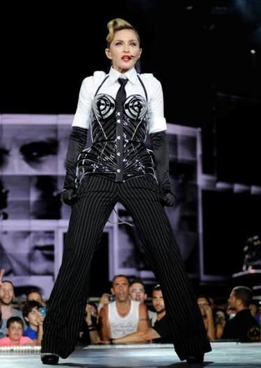 Madonna pone la guinda al pastel de Lady Gaga... ¡Porque She was born this way!