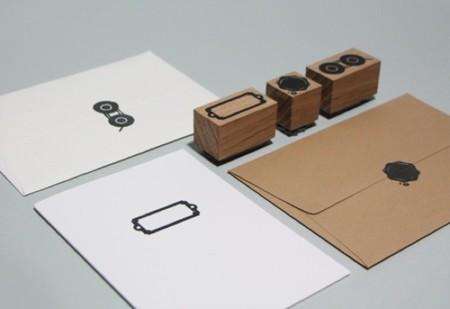 Sellos y pegatinas para dar un encantador toque tradicional a cartas y paquetes