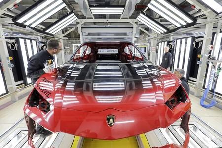 Video, Lamborghini estrena taller de pintura con Inteligencia Artificial para el Urus