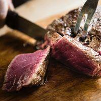 Reducir o no reducir el consumo de carne: no hay suficiente evidencia que respalde la reducción por motivos de salud