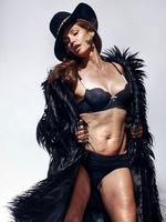Salen a la luz fotos de Cindy Crawford sin photoshop y la polémica no se ha hecho esperar