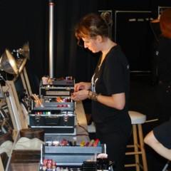 Foto 8 de 27 de la galería el-backstage-de-custo-en-la-nyfw en Trendencias Belleza