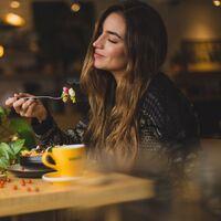 Consejos para la pérdida de grasa: cómo evitar los atracones de comida