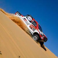 Analizamos la primera semana de Fernando Alonso en el Dakar: mucha velocidad, pocos galones y alguna novatada