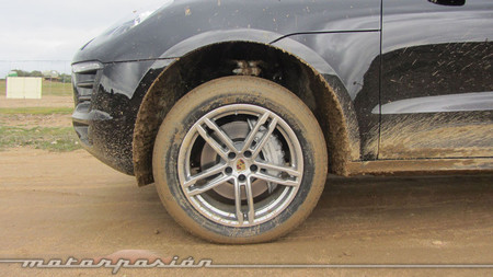 Porsche Macan barro