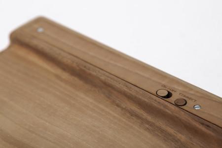 Wooden Keyboard Design 1024x1024