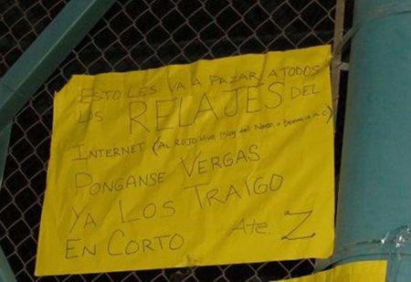 Matan y cuelgan de un puente a dos jóvenes mexicanos por denunciar a los narcos en la red